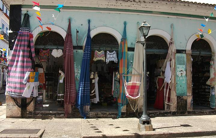 Deslumbrada com os Tons Terra do Mercado das Tulhas,em São Luis