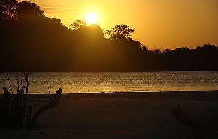 Barra de Catuama - Lindo pôr do Sol da Barra Vista do Mangue em Maré Baixa.