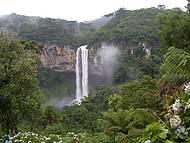 Cascata do Caracol vista da trilha do Telef�rico