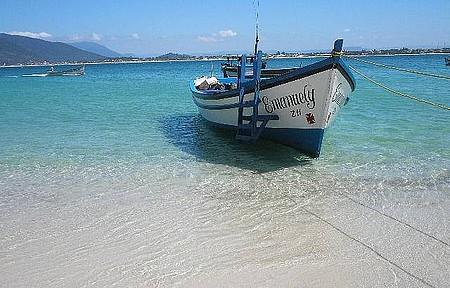 Passeio de barco à Ilha. Lindo!
