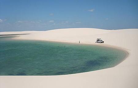 Isolamento, águas cristalinas cor de jade e areias branquíssimas!
