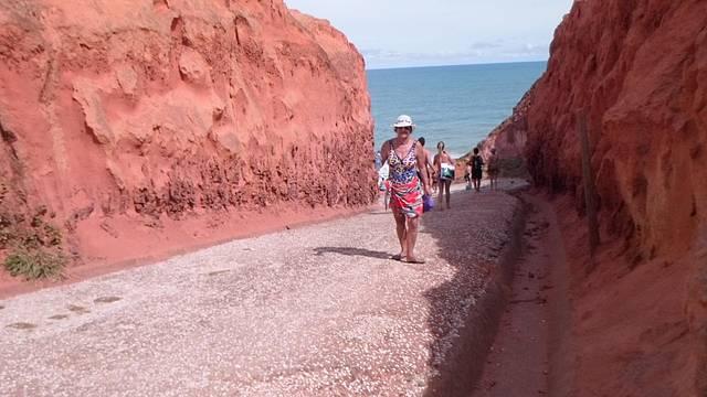 Falésias, acesso a praia particular