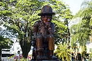 Personagem de Monteiro Lobato é homenageado na praça