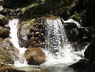 Cachoeira do Santu�rio-ducha dos Namorados