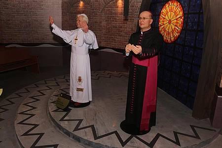 Entre as atrações, um Museu de Cera repleto de personalidades religiosas