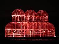 Curitiba by night - Jardim Botânico iluminado na semana cor de Rosa