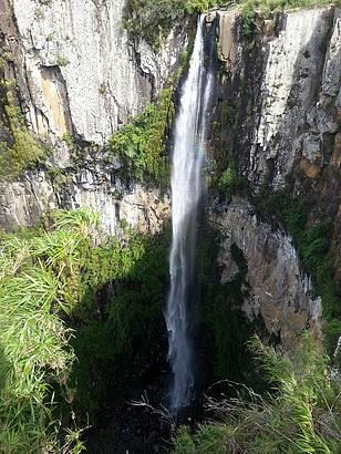 Queda d'água gigantesca e linda