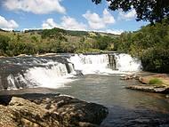 Curtir as cachoeiras e o forró de Baependi