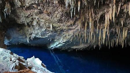 Visitação da Gruta do Lago Azul.