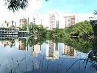 Um dos lagos dos Bosque