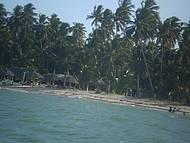 Praia de  Carneiros, coberta pela mare no fim da tarde....