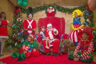 Papai Noel recebe os pequenos em sua Casa de Verão em Cabo Frio (RJ)