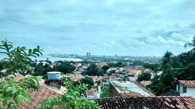 Recife ao fundo - Igreja da Sé