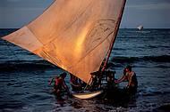 Jangadas de pescadores confirmam o bucolismo local