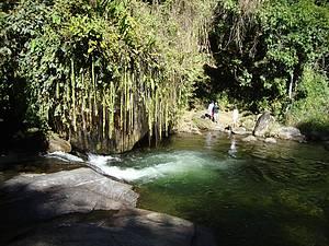 Poço da Samambaia: Caminhada leva ao belo e exótico cenário<br>