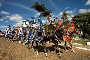 Participar da Festa do Divino