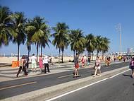 Praia de Copacabana e a Pista Fechada