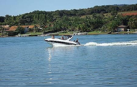 Rio Grande - Lanchas e jet skis tomam conta da represa nos finais de semana
