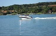 Lanchas e jet skis tomam conta da represa nos finais de semana