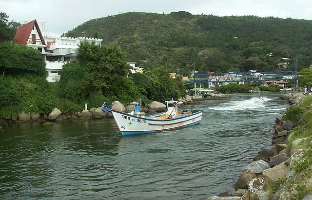 Fim de tarde no Canal da Barra da Lagoa