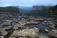 Formação rochosa de 1.200 metros de altura é avistada de diversos pontos