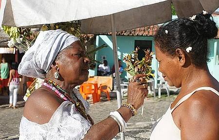 Banho de pipoca faz parte da ritual de purificação