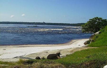 Praia do Jaú - Período de seca (dezembro) (baixo nível do rio)