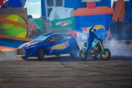Carros e motos fazem levantam as aquibancadas!