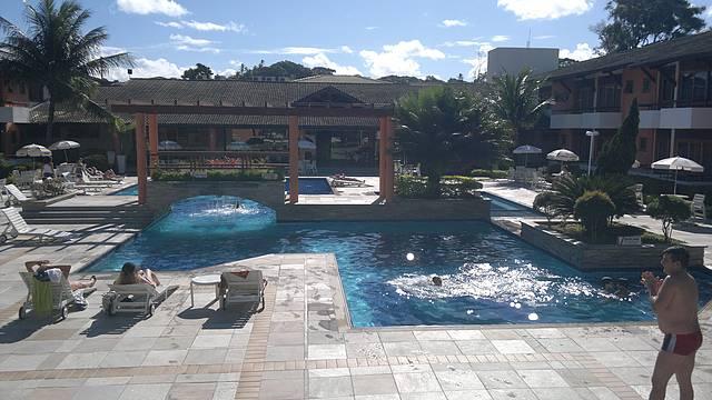 Visão da piscina do hotel