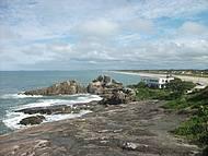 Praia do Ervino vista do costão