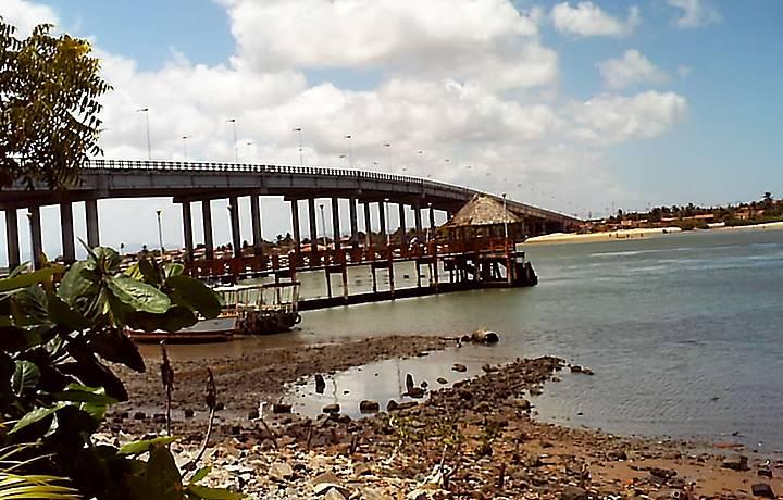 Ponte sobre o rio Ceará.