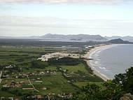 Vista da praia da Gamboa e mais ao fundo a praia da Guarda do Imbaú