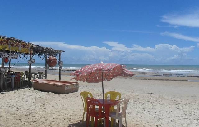 Maravilhoso o vilarejo, praias desertas espetaculares