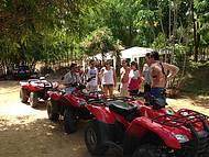 Prontos para o passeio de quadriciclo na DaMatta Adventure