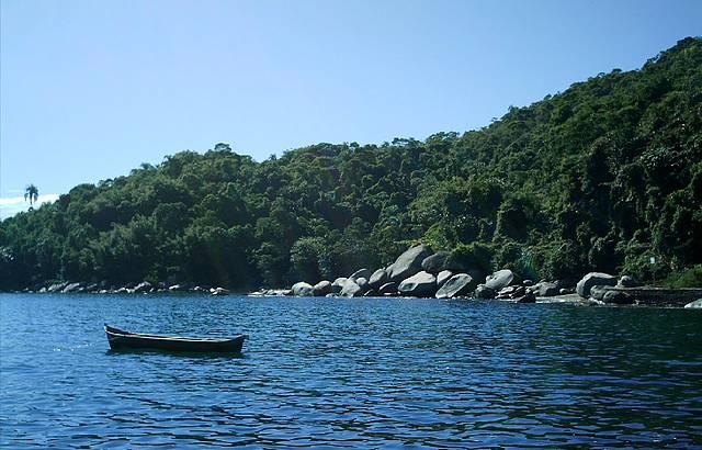 A Ilha Sandri tem uma flora marinha diferente. Vale a pena conhecer!