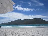 Praia de águas calmas