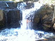Um banho de cachoeira. Imperdível!