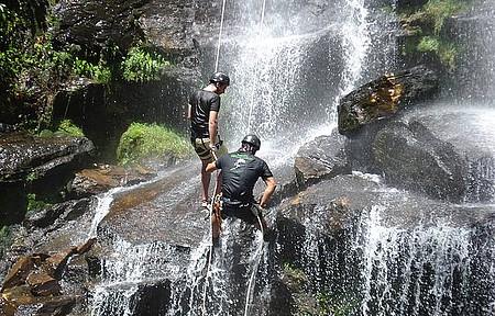Praticar esportes de aventura - Rapel