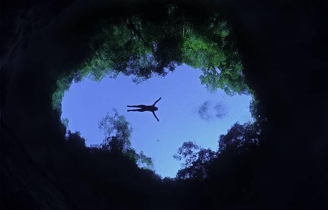 Visibiliadde perfeita em meio a águas azuis