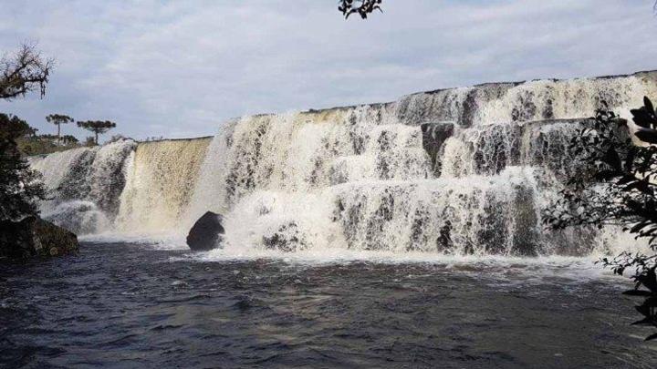 Cachoeira dos Venâncios tem cenário encantador