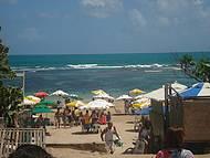 �tima Praia, com Barraquinhas Que Vendem um Delicioso Peixe Bem Fresquinho.
