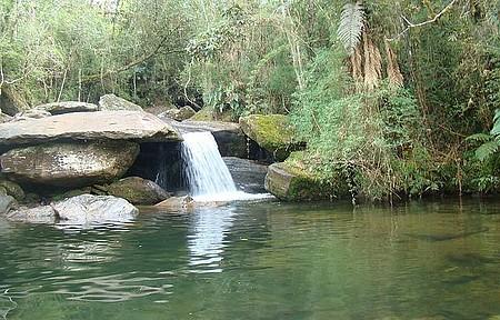 Cachoeira das Fadas - Queda tem fácil acesso e é perfeita para banhos