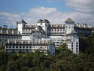 Parece um Castelo, Mas É um Hotel! Lindo...