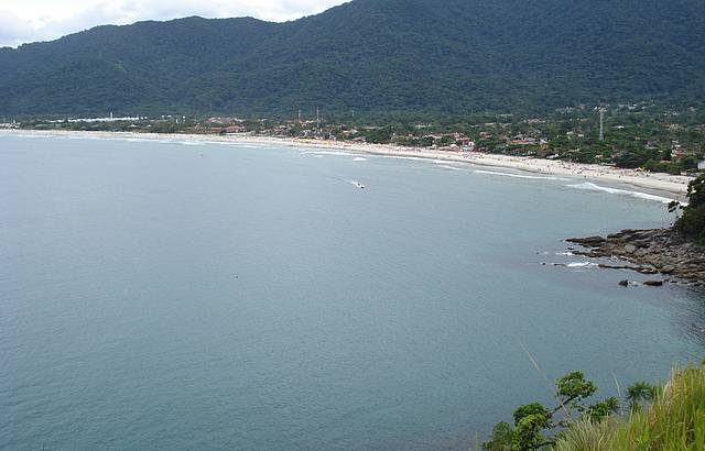 Vista da praia de Maresias, pelo morro.