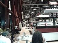 Vista interna da Estação das Docas, ótimo para lazer e happy hour.