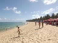 Beira mar da praia do Gunga