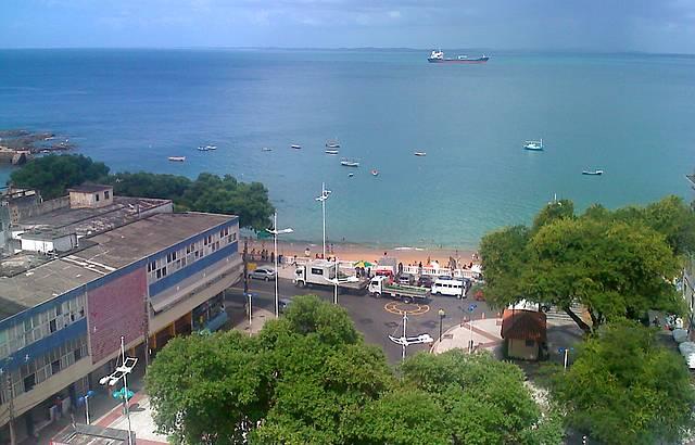 Vista do Porto da Barra da janela do Hotel Sol Barra