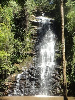 Esta cachoeira fica a 17 km da cidade