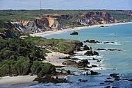 Bela praia é point dos naturistas