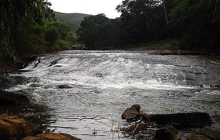 Cachoeira Chata entre Realeza e Manhuaçu
